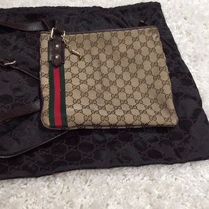 Gucci crossbody with dust bag